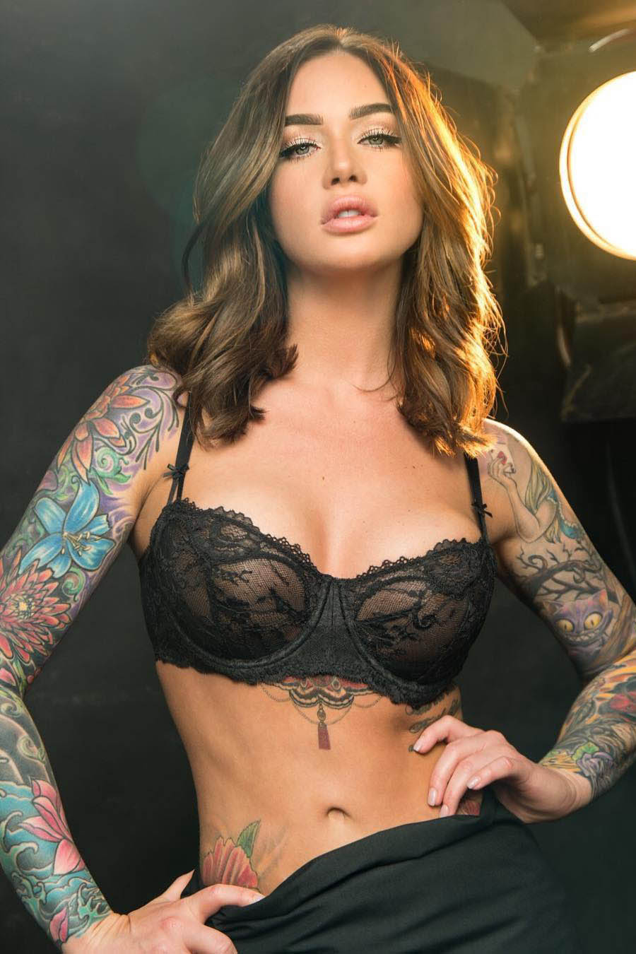 Escort model with tattoos Bozena
