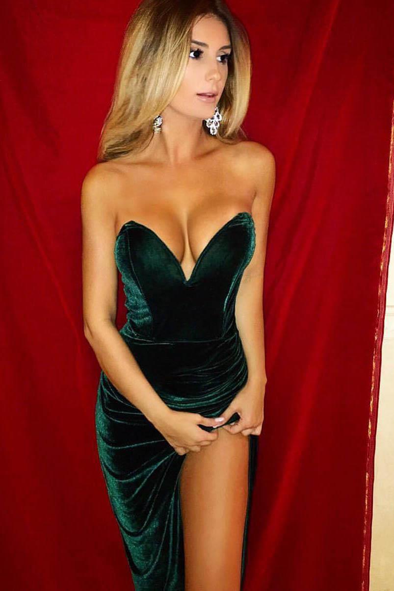 Escort model Kelli
